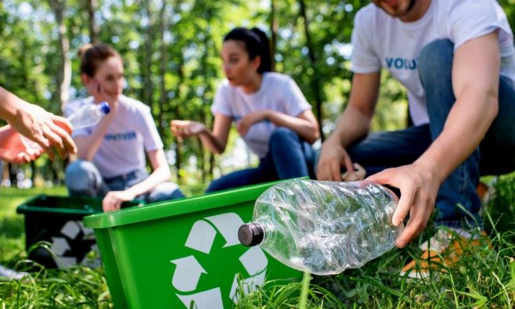riciclo-bottiglie-plastica-acqua